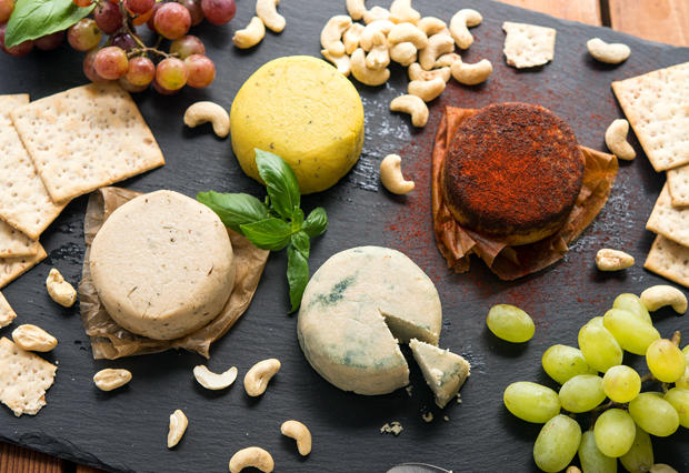 Nut Cheese with Bruna Oliveira